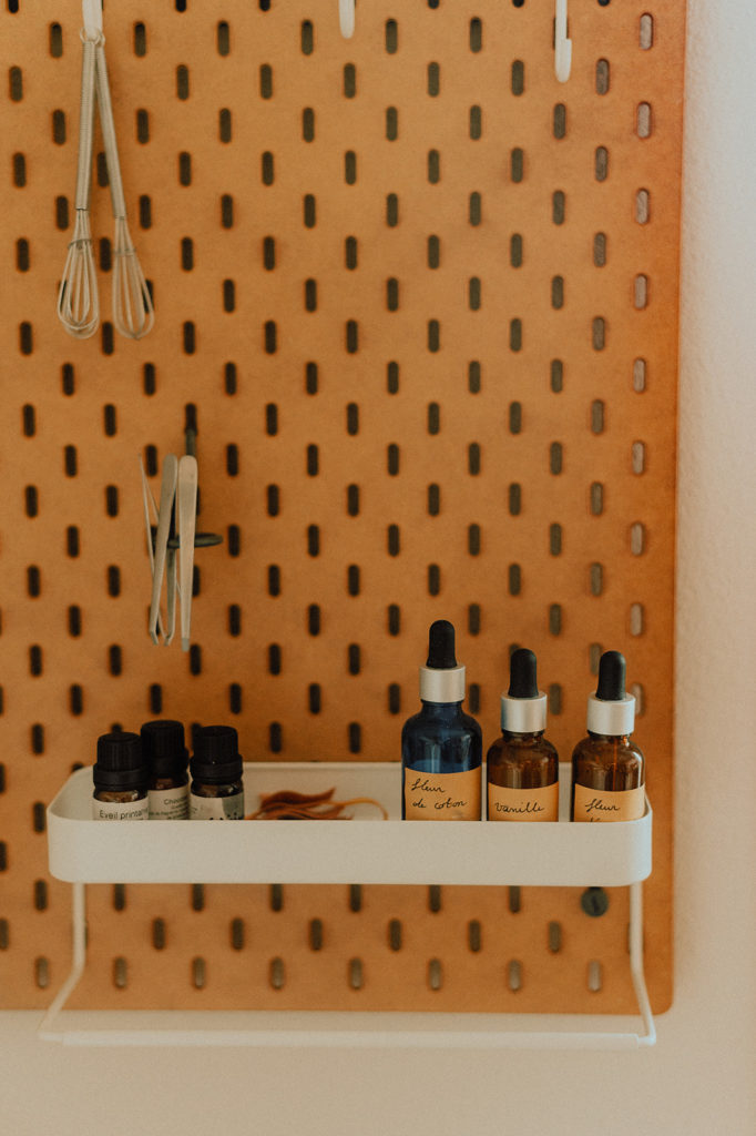 Parfums sur l'étagère