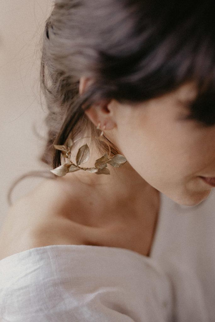 Boucles d'oreille fleuries dorées Astrée